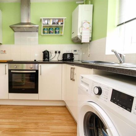 Rent this 2 bed house on Bonniksen Close in Warwick CV31 3RP, United Kingdom