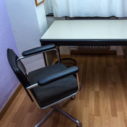 Rent this 5 bed room on Calle Santos Jiménez in 2, 37002 Salamanca