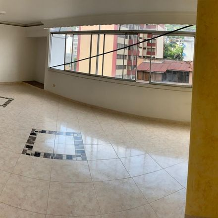 Rent this 3 bed apartment on Iglesia del Sagrado Corazón de Jesús in Avenida 2 Norte, Comuna 2