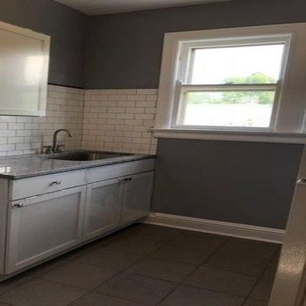 Rent this 1 bed condo on 1707 Ridge Road in Homewood, IL 60430