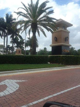 Rent this 3 bed townhouse on Southwest 102nd Way in Miramar, FL 33025