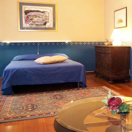 Rent this 3 bed room on Via Giovanni Zambelli in 10, 37121 Verona VR