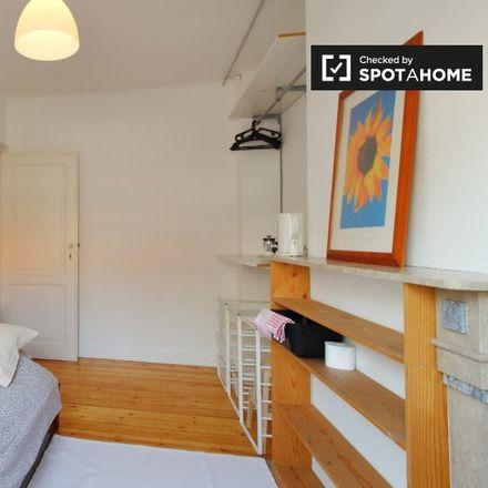 Rent this 4 bed apartment on Rue Félix Delhasse - Félix Delhassestraat 30 in 1060 Saint-Gilles - Sint-Gillis, Belgium