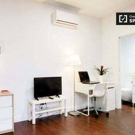 Rent this 0 bed apartment on Hnos Alonso in Calle de Jerónima Llorente, 28001 Madrid