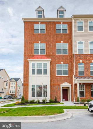 Rent this 3 bed townhouse on 7131 Beaumont Place in Hanover, MD 21076