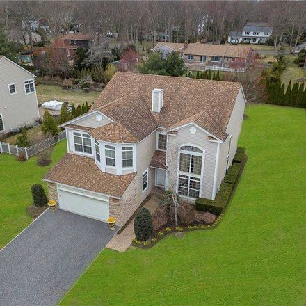 Rent this 5 bed house on James Pl in Saint James, NY
