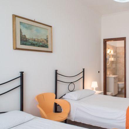 Rent this 3 bed apartment on Spek in Via Bartolomeo Cristofori, 19