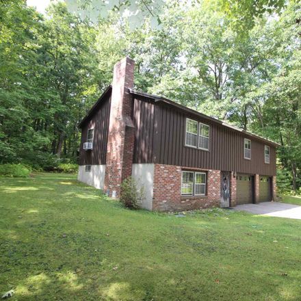 Rent this 3 bed house on 8 Woodcrest Ave in Hudson, NH