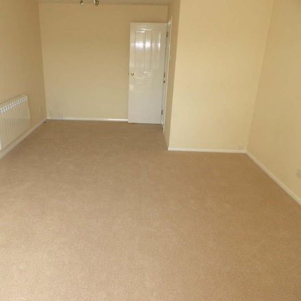 Rent this 2 bed apartment on Falcon Close in Dunstable LU6 1UP, United Kingdom