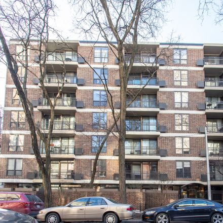 Rent this 2 bed condo on 2600 North Hampden Court in Chicago, IL 60614