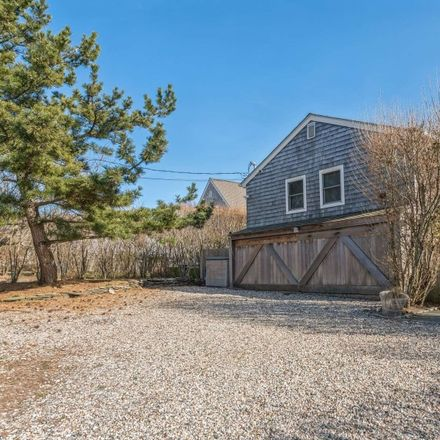 Rent this 5 bed house on 33 Hoppin Avenue in Montauk, NY 11954