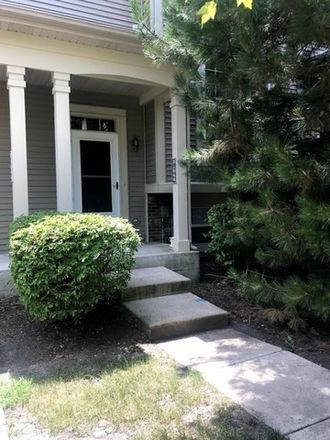 Rent this 3 bed townhouse on W Dale Ave in McHenry, IL