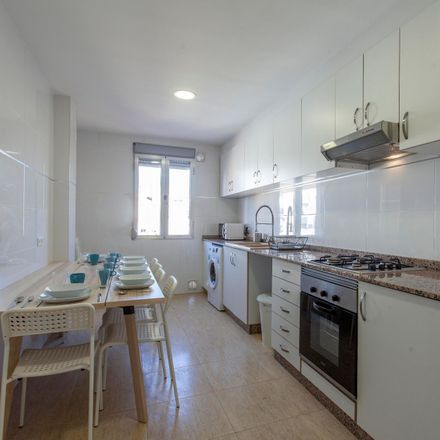 Rent this 7 bed room on Carrer d'Honorat Juan in 16, 46007 Valencia
