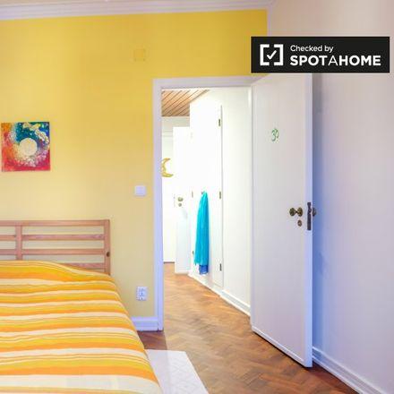 Rent this 2 bed room on Hospital de Sant'Ana in Rua de Benguela 231, 2779-501 Carcavelos e Parede