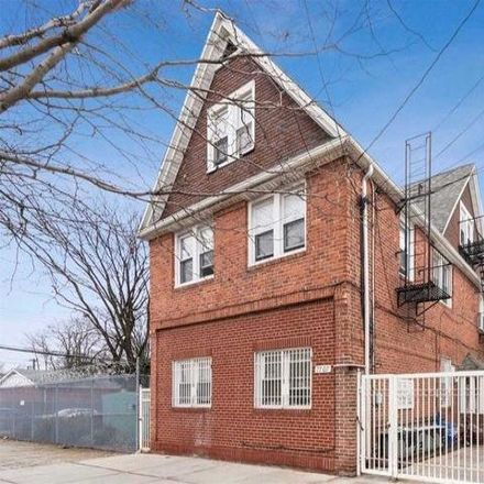 Rent this 5 bed house on 77-07 164th Street in New York, NY 11366