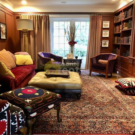 Rent this 6 bed apartment on 609 34th Avenue East in Seattle, WA 98112