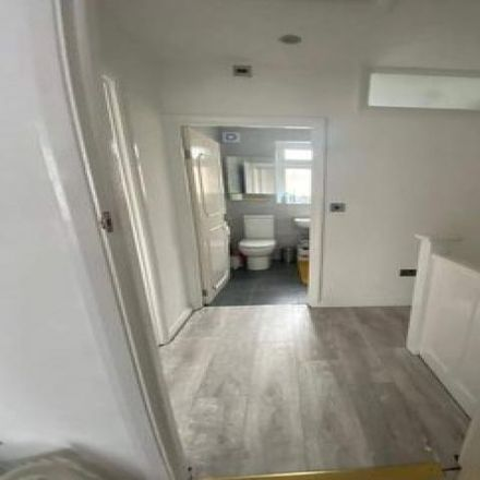 Rent this 2 bed house on Dundee Road in London E13, United Kingdom