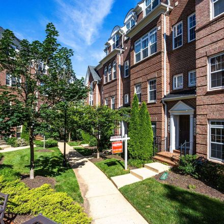 Rent this 3 bed condo on 13615 Dover Cliffs Place in Germantown, MD 20874
