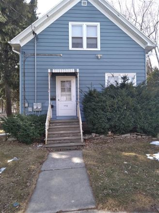 Rent this 0 bed duplex on 1410 Crooks Street in Green Bay, WI 54301