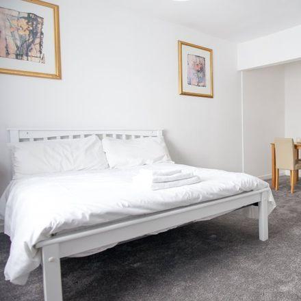 Rent this 3 bed room on 2 Castleknock View in Castleknock-Knockmaroon ED, Blanchardstown
