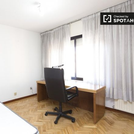 Rent this 4 bed apartment on C.E.I.P. Gerardo Diego in Calle de Jesús Miguel Haddad Blanco, 28913 Leganés