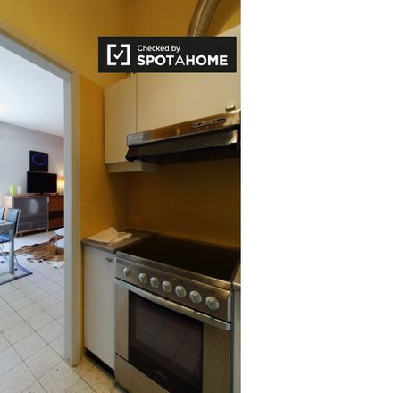 Rent this 1 bed apartment on Rue Louis Hymans - Louis Hymansstraat 12 in 1050 Ixelles - Elsene, Belgium