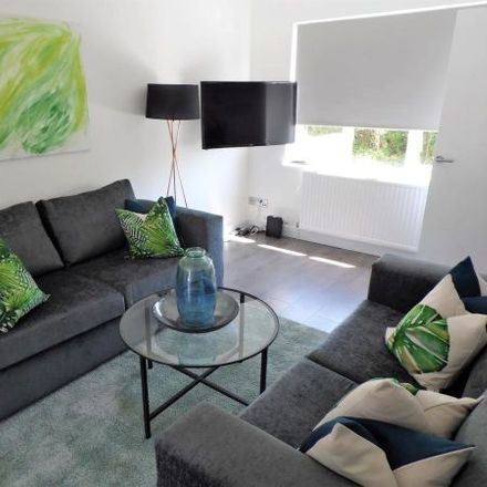 Rent this 3 bed apartment on Woodfield in Viewpark G71 6LZ, United Kingdom