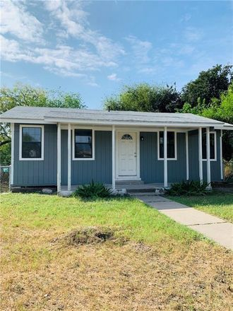 Rent this 3 bed apartment on 636 Plymouth Street in Alice, TX 78332