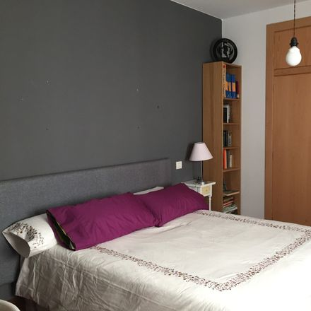 Rent this 1 bed room on Calle de Alfonso I in 50003 Zaragoza, Spain