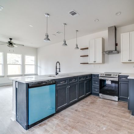 Rent this 3 bed house on 1950 East Crockett Street in San Antonio, TX 78202