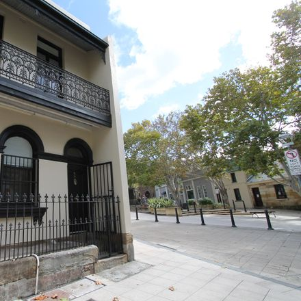 Rent this 3 bed house on 1 Paternoster Row
