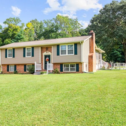 Rent this 3 bed house on Westmoreland County in VA 22520, USA