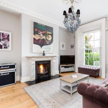 Rent this 5 bed apartment on 17 Heytesbury Street in Wood Quay B ED, Dublin