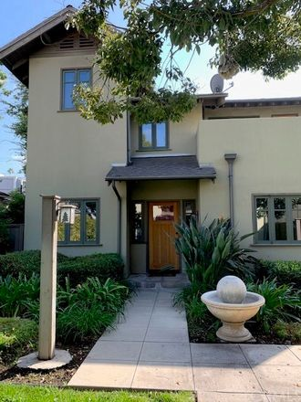 Rent this 3 bed townhouse on 112 South Roosevelt Avenue in Pasadena, CA 91107