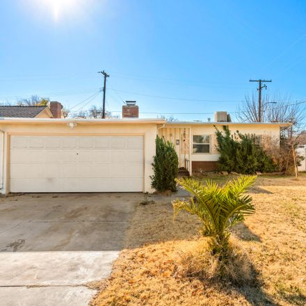 Rent this 3 bed house on 1444 West Jackman Street in Lancaster, CA 93534