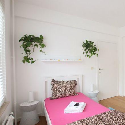 Rent this 1 bed apartment on Avenue Jean de la Hoese - Jean de la Hoeselaan 26 in 1080 Molenbeek-Saint-Jean - Sint-Jans-Molenbeek, Belgium