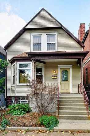 Rent this 3 bed house on 3732 North Hermitage Avenue in Chicago, IL 60613