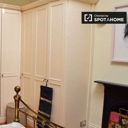 Rent this 5 bed apartment on Woodlawn Park in Churchtown Lower, Dublin 14