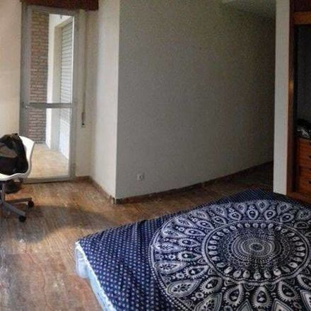 Rent this 13 bed room on COOP in Calle Doctor Barraquer, 14004 Cordova