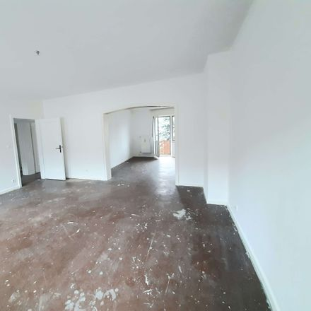 Rent this 2 bed apartment on Gelsenkirchen in Turfstraße, 45899 Gelsenkirchen