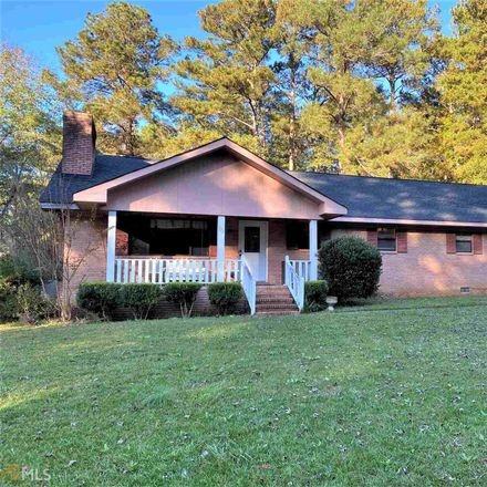 Rent this 3 bed house on 773 Sweetbriar Cir in Thomaston, GA