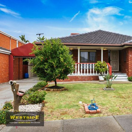 Rent this 3 bed house on 6 Monaro Close