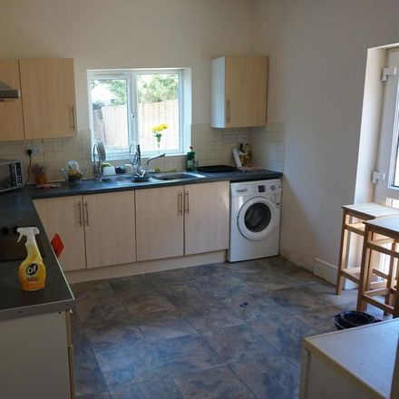 Rent this 6 bed house on 89 Wilton Avenue in Southampton SO15 2HF, United Kingdom