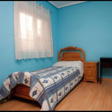 Rent this 4 bed room on Camí Reial in 46470 Catarroja, Spain
