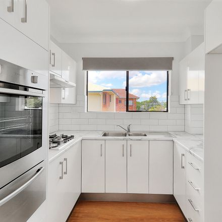 Rent this 2 bed apartment on 5/61 Lambton Street