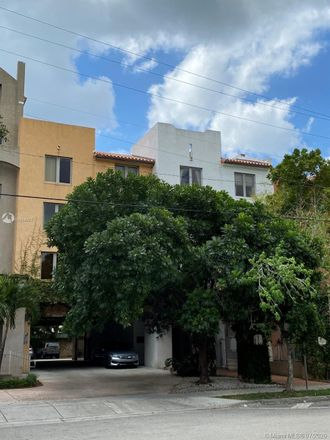 Rent this 1 bed condo on 2630 Southwest 28th Street in Miami, FL 33133