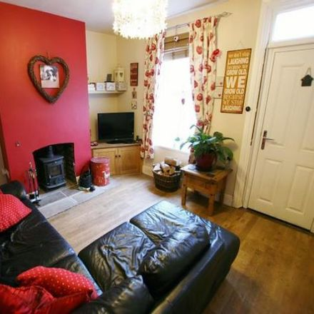 Rent this 3 bed house on West Street in Dronfield S18 1PJ, United Kingdom
