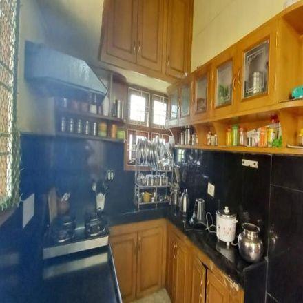 Rent this 3 bed apartment on Ward 101 Erragadda in Hyderabad - 500018, Telangana
