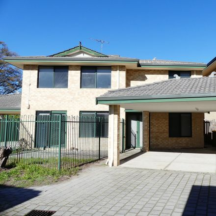 Rent this 5 bed townhouse on 2/40 Marquis Street