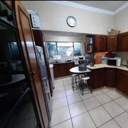 Rent this 3 bed house on North Circular Road in Sol Plaatje Ward 20, Kimberley